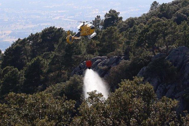 Imágenes de archivo de un incendio forestal en la Comunidad de Madrid.