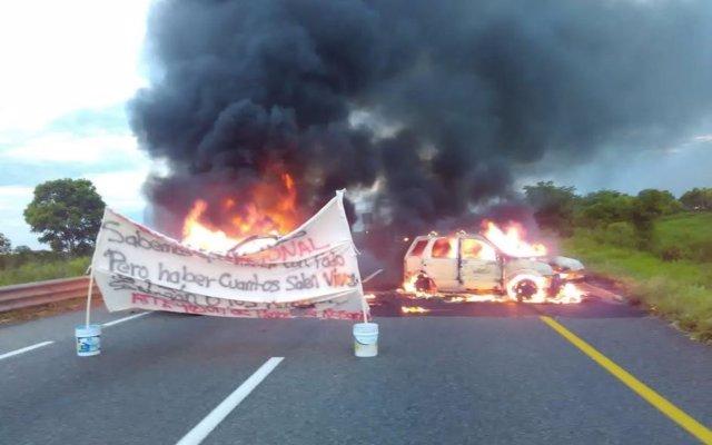 Bloqueo en la carretera de Villahermosa-Teapa