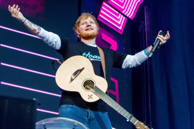 El cantautor británico Ed Sheeran da un concierto en el estadio Wanda Metropolitano de Madrid.
