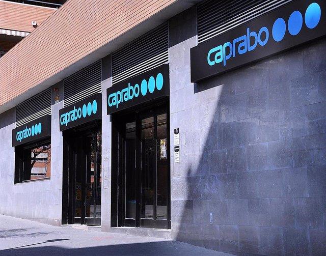 El nuevo supermercado de Caprabo en Barcelona, en la calle Navaa de Tolosa del distrito de Sant Andreu