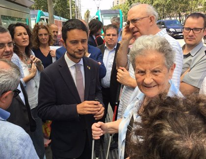 El Tram adapta la parada de Francesc Macià a personas sordas en un plan piloto