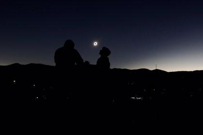 Así se observó el eclipse Solar en Chile