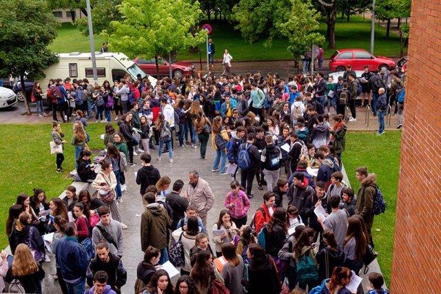 El Parlamento reclama homogeneidad entre comunidades en las Pruebas de Acceso a la Universidad