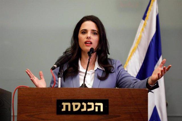 La exministra de Justicia israelí Ayelet Shaked en la Knesset o Parlamento de Israel