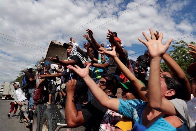 Migrantes centroamericanos en Guatemala rumbo a Estados Unidos