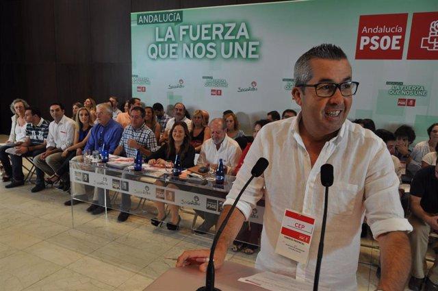 El senador y secretario de Organización del PSOE de Sevilla, José Muñoz, en una imagen de archivo
