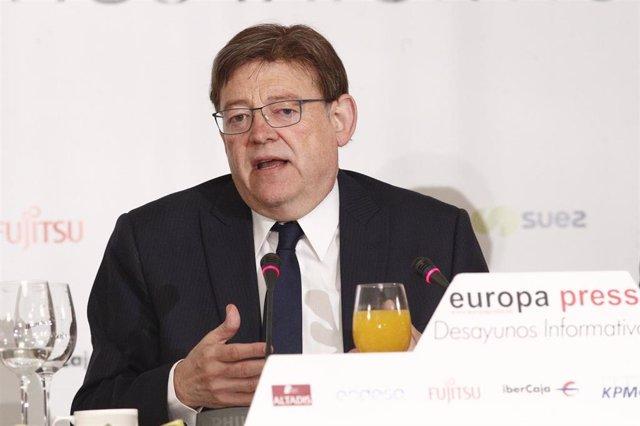 El presidente de la Generalitat valenciana, Ximo Puig, interviene en un Desayuno Informativo de Europa Press.