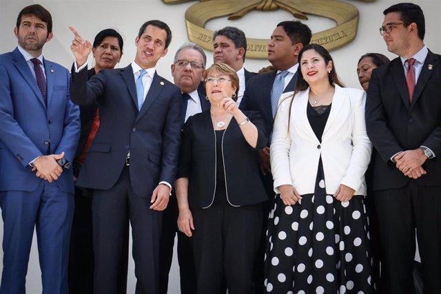 Michelle Bachelet, jefa de DDHH de la ONU, con Juan Guaidó durante su visita a Caracas