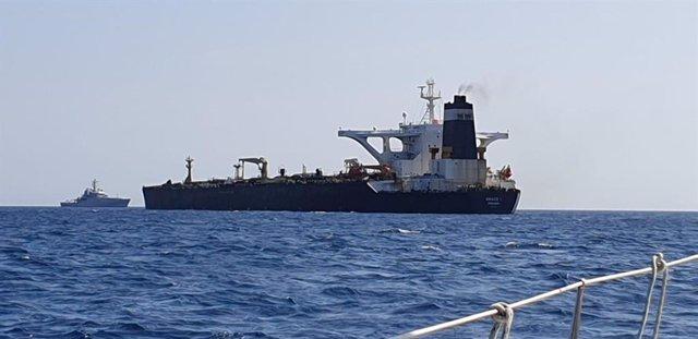 Imagen del superpetrolero Grace 1 interceptado en Gibraltar
