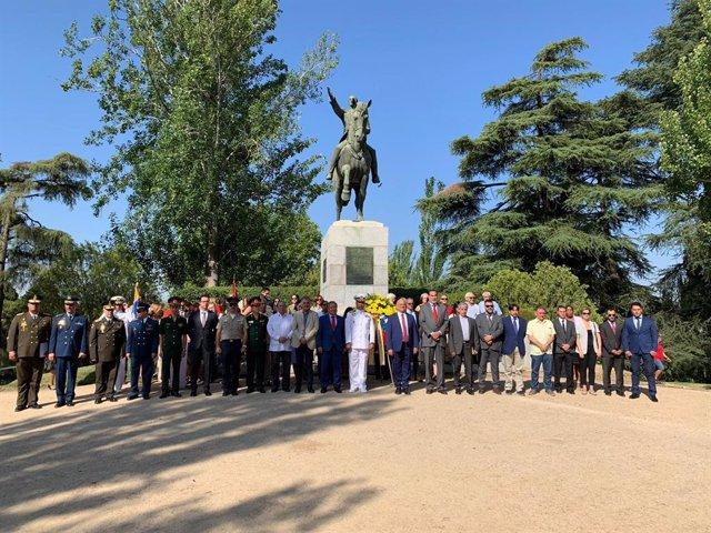 El embajador de Venezuela en España, Mario Isea, durante un acto en el Parque del Oeste (Madrid)