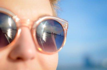 Usar gafas de sol con cristales no homologados afecta a la salud visual