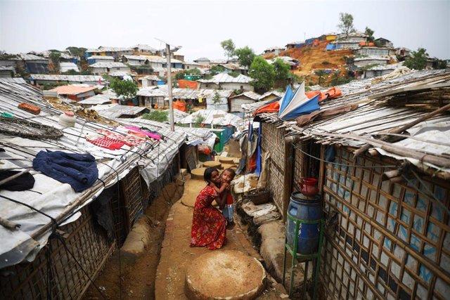 Niños rohingyas en el campo de refugiados de Cox's Bazar