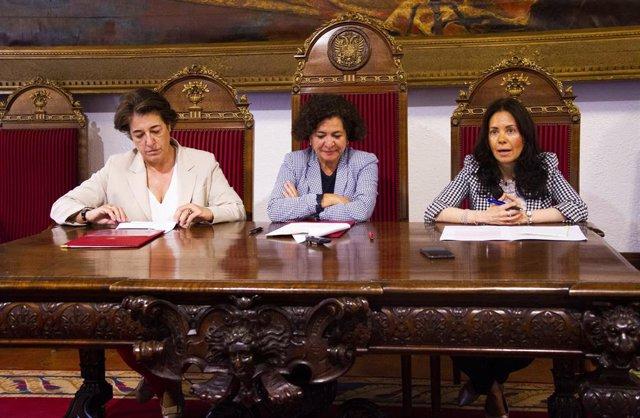 Firma de convenio en la Universidad de Granada y el operador de satélites Hispasat