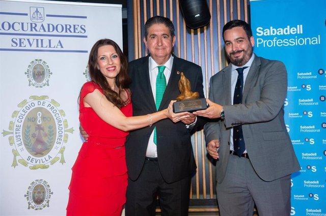 Entrega del VI Premio 'Procuradora Ascensión García Ortiz' a José Joaquín Gallardo