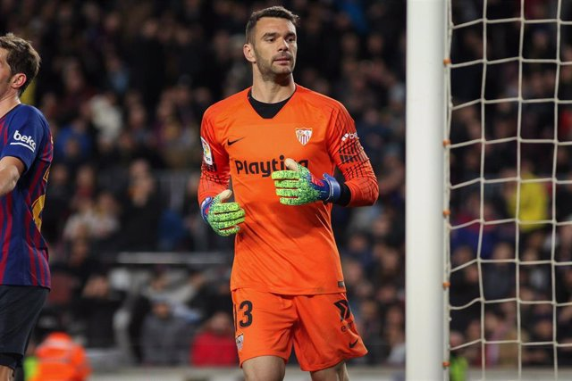 Juan Soriano of Sevilla in action during Spanish King championship, football match between Barcelona and Sevilla, January  30th, in Camp Nou Stadium in Barcelona, Spain.