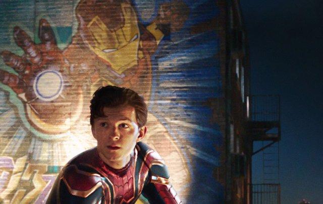Imagen de Tom Holland como Peter Parker en Spider-Man: Lejos de casa