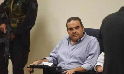 La Justicia de El Salvador anula un juicio por corrupción contra dos expresidentes por la prescripción del delito