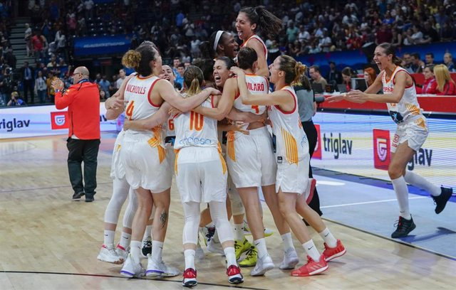 El seleccionador de baloncesto femenino español, Lucas Mondelo