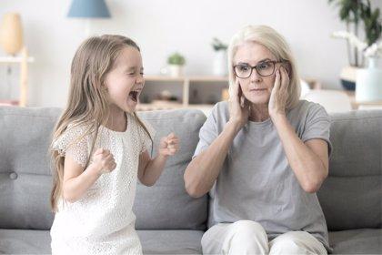 Encuesta AEP: los padres opinan sobre la mejor respuesta a las rabietas