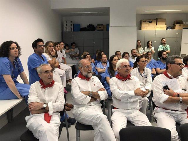 En primera fila Antonio Merino, el consejero Domínguez y Óscar Moracho, ven el encierro junto al equipo médico.
