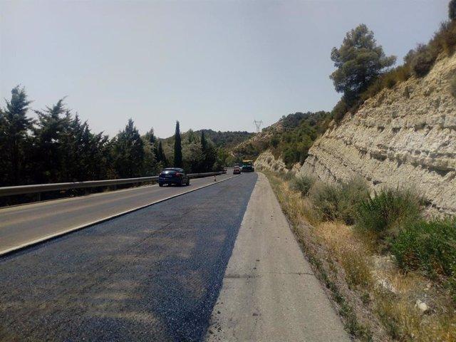Comienza el asfaltado de la carretera A-1505 entre Tobed y Codos.