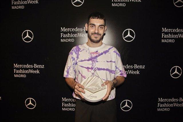 Dominnico, ganador del certamen Mercedes-Benz Fashion Talent