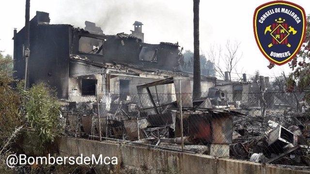 La parcela y la vivienda adjunta, afectadas tras la extinción del incendio