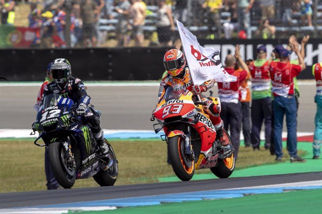 12 VINALES Maverick (Spa) Yamaha Factory Racing , Yamaha, action MARQUEZ Marc (Spa) Repsol Honda Team, Honda, ambiance, portrait celebration during Moto GP race of the Netherlands TT Grand Prix at Assen circuit from June 28 to 30th, 2019 in Assen, Netherl