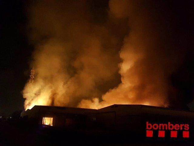 Incendio en una industria en Tarragona