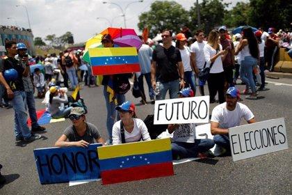 La oposición de Venezuela confirma su asistencia a la ronda de conversaciones con el Gobierno de Maduro en Barbados