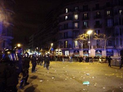 Juzgan a dos CDR por desórdenes ante la Delegación del Gobierno cuando detuvieron a Puigdemont