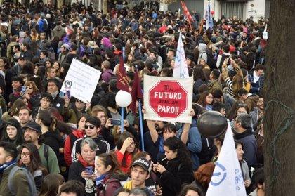 Los profesores y el Gobierno reanudan el diálogo en Chile tras cinco semanas de huelga