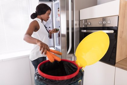 No despilfarres la comida: lo que hay que tirar, lo que no y cómo aprovecharlo