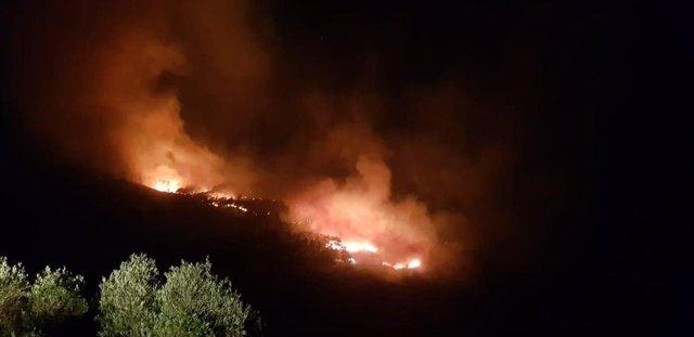 Incendio forestal declarado de madrugada en Ceuta