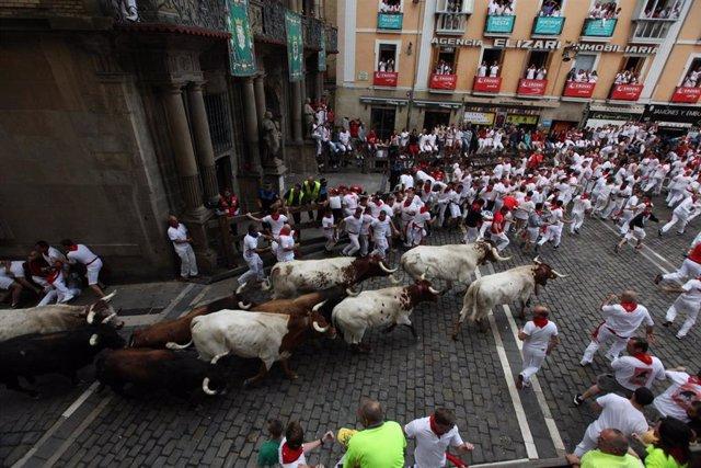 Segundo encierro de San Fermín 2019 con toros de Cebada Gago