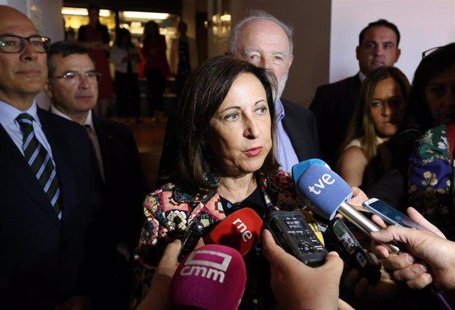 La ministra de Defensa en funciones, Margarita Robles, ofrece declaraciones a los medios de comunicación tras la clausura del XXXI Seminario Internacional de Seguridad y Defensa en el Parador de Toledo.