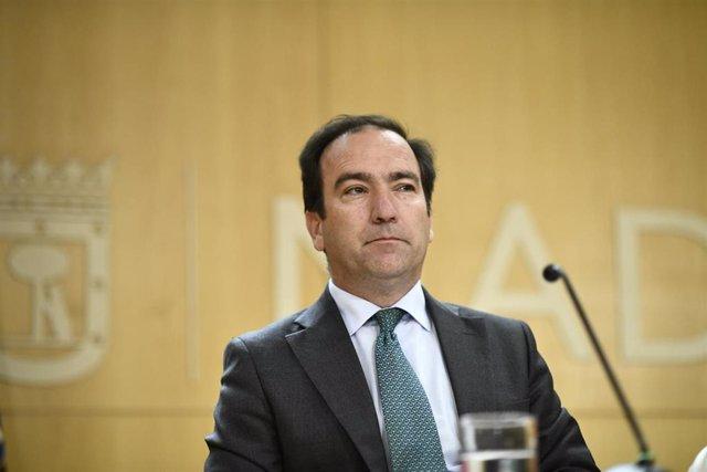 El delegado de Medio Ambiente y Movilidad de Madrid, Borja Carabante, durante una reunión de la Junta de Gobierno de la ciudad de Madrid en el Ayuntamiento de la capital.
