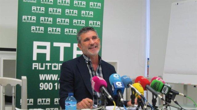 El portavoz de ATA C-LM, José Luis Perea, en rueda de prensa