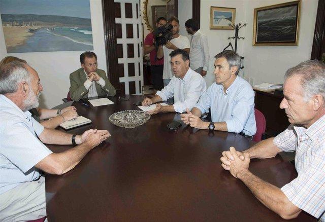 El vicepresidente de la Diputación reunido con representantes del sector olivarero y el alcalde de Algodonales