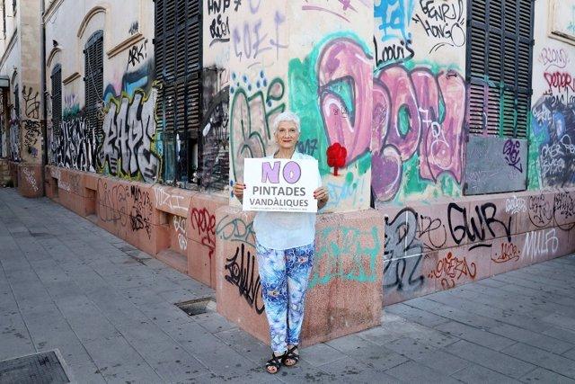 La escriptora Eusèbia Rayó participa a la campaña d'ARCA contra les pintades vandàliques