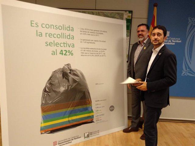 El conseller Damià Calvet y el director de la ARC Josep Maria Tost