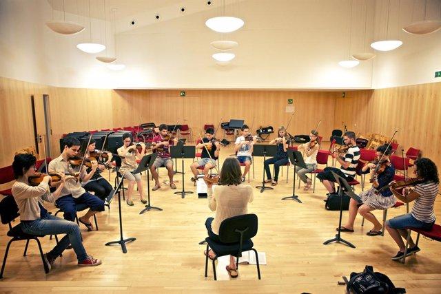 Músics de la Jove Orquestra Nacional de Catalunya (arxiu)