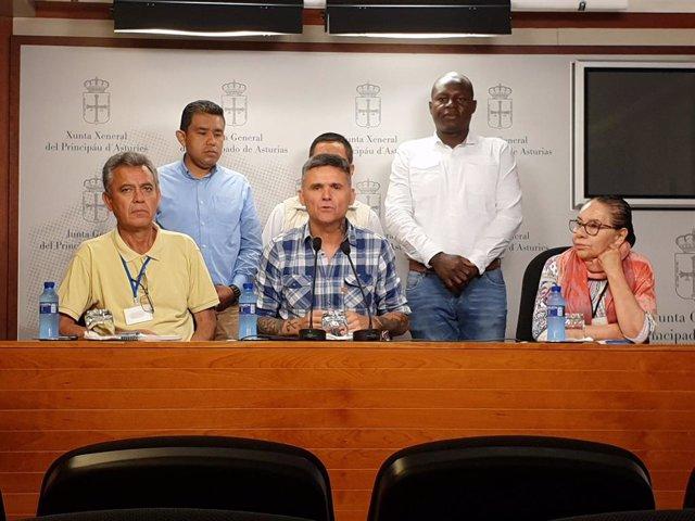 Rafael Palacios y beneficiarios del programa de Protección de Víctimas de violaciones de los Derechos Humanos