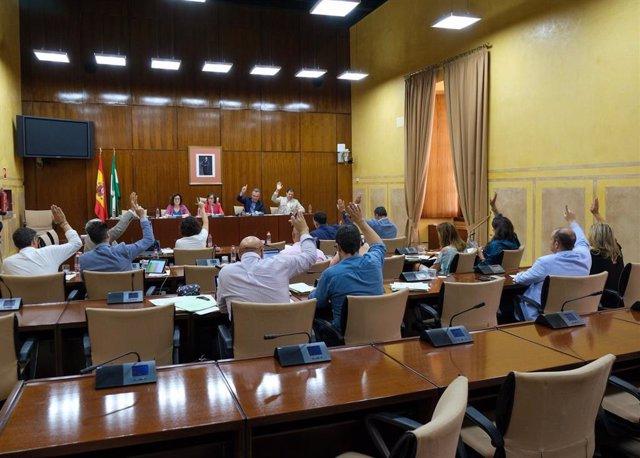 La Comisión de Hacienda del Parlamento debate el dictamen del Presupuesto andaluz de 2019, este lunes