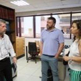 La nova consellera de Presidència, Cultura i Igualtat, Pilar Costa, visita als treballadors de Cultura del Govern