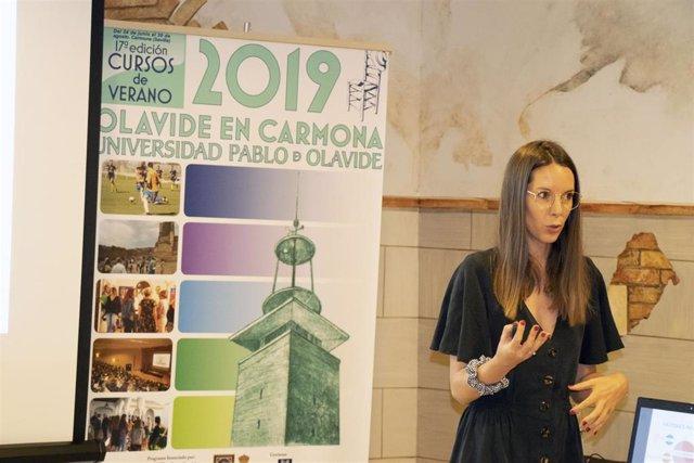 La dietista-nutricionista María González participa en los cursos de verano de la Universidad Pablo de Olavide (UPO)
