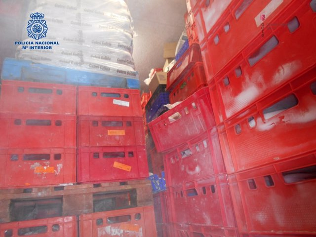 Imágenes del operativo conjunto contra una empresa acusada de vender carne en mal estado en Mallorca