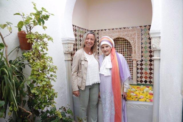 Isabel Albás y Salma Al Taji Al Farouk en la Casa Andalusí y Museo de la Alquimia