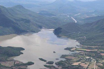Unas 50 toneladas de residuos humanos contaminan 30.000 hectáreas de un sistema de lagunas en Oaxaca, México