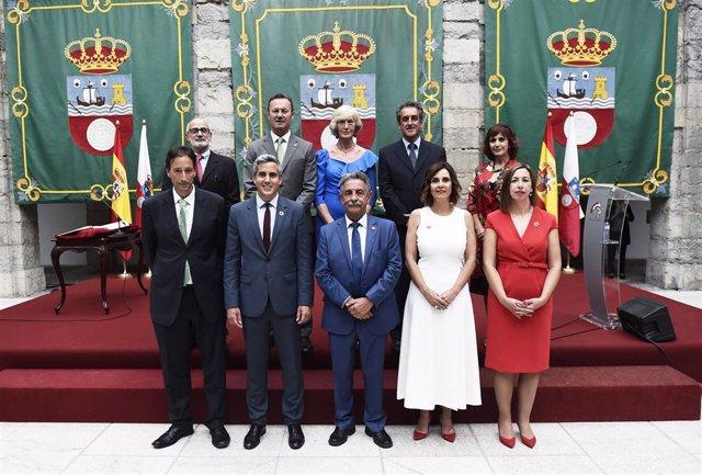 Toma de posesión del Gobierno de Cantabria y de los consejeros